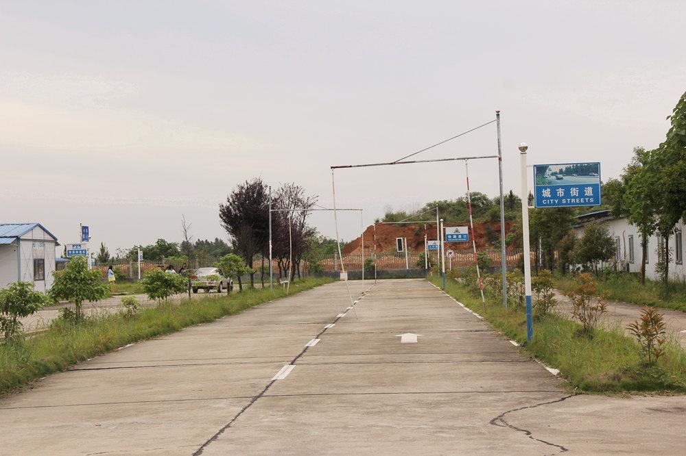 大众训练场城市街道.JPG